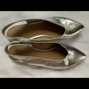 Shoes - Silver sling back flats shoes